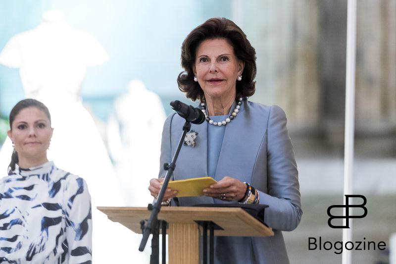 Queen Silvia holdning opening speach. Today inaugurated the new exhibition, Royal wedding dresses 1976-2015, at the Royal Palace in Stockholm. Pictures of the opening ceremony with the queen and all the princesses. - Idag invigdes den nya utställningen Kungliga brudklänningar 1976-2015 på Kungliga Slottet i Stockholm. Bilder från invigningen med drottningen och alla prinsessor. Royal Palace, Stockholm, Sweden 2016-10-17 (c) Pelle T Nilsson/Stella Pictures
