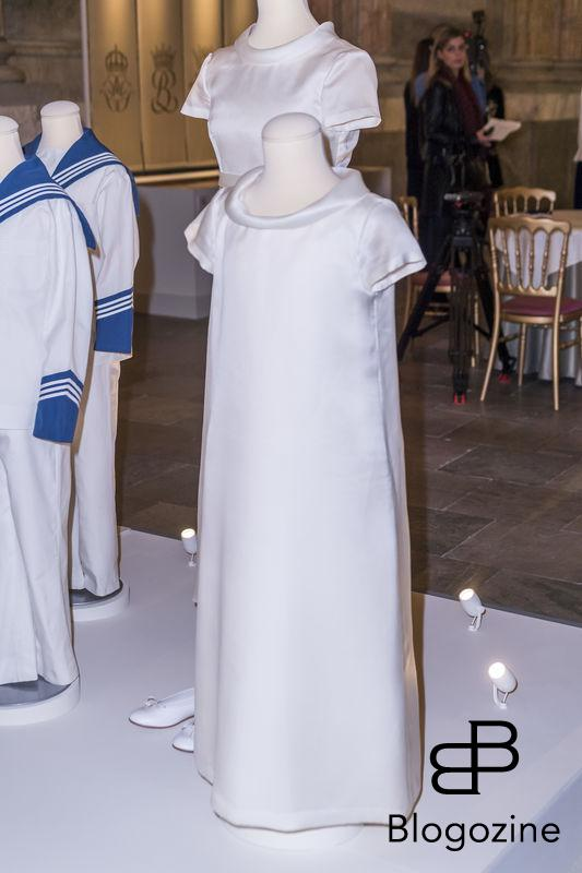 19 June 2010, Stockholm Cathedral Swedish design and tradition The Crown Princess' wedding dress is made from pearl-white double-sided duchess silk satin with a 4.6 metre long train, designed and produced by Pär Engsheden. The dress has short sleeves and a turned-out collar, which follows the rounded neckline. It has a v-shaped back with covered buttons. The sash at the waist is buttoned up at the back. The train is edged with a border, fastened at the waist, and has the same shape as the veil. The train is almost five metres long. The Crown Princess' shoes were made up in the same fabric as her dress. The Crown Princess wore Queen Sofia's lace veil, the same veil that was worn by Crown Princess Victoria's mother, Queen Silvia, at her marriage to King Carl Gustaf in 1976. Today inaugurated the new exhibition, Royal wedding dresses 1976-2015, at the Royal Palace in Stockholm. Pictures of the opening ceremony with the queen and all the princesses. - Idag invigdes den nya utställningen Kungliga brudklänningar 1976-2015 på Kungliga Slottet i Stockholm. Bilder från invigningen med drottningen och alla prinsessor. Royal Palace, Stockholm, Sweden 2016-10-17 (c) Pelle T Nilsson/Stella Pictures