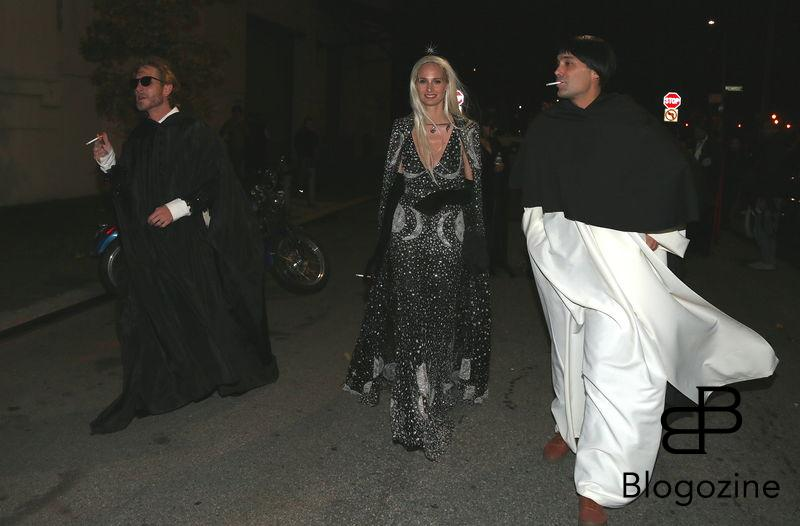 No credit - BI - no web - Prix special - Andrea Casiraghi, Lauren Santo Domingo et guest - Les invités arrivent à l'église Visitation of the Blessed Virgin Mary Parish à Brooklyn pour le mariage de Julio Mario Santo Domingo III et Nieves Zuberbühler à New York le 29 octobre 2016 No credit - no web - For Germany call for price - Guests are seen arriving at the Visitation of the Blessed Virgin Mary Parish church in Brooklyn for the wedding of Julio Santo Domingo III and Nieves Zuberbühler in New York on 29/10/2016