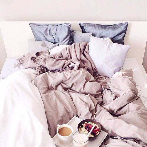 autumn-bedroom-breakfast-cosy-Favim.com-2204419
