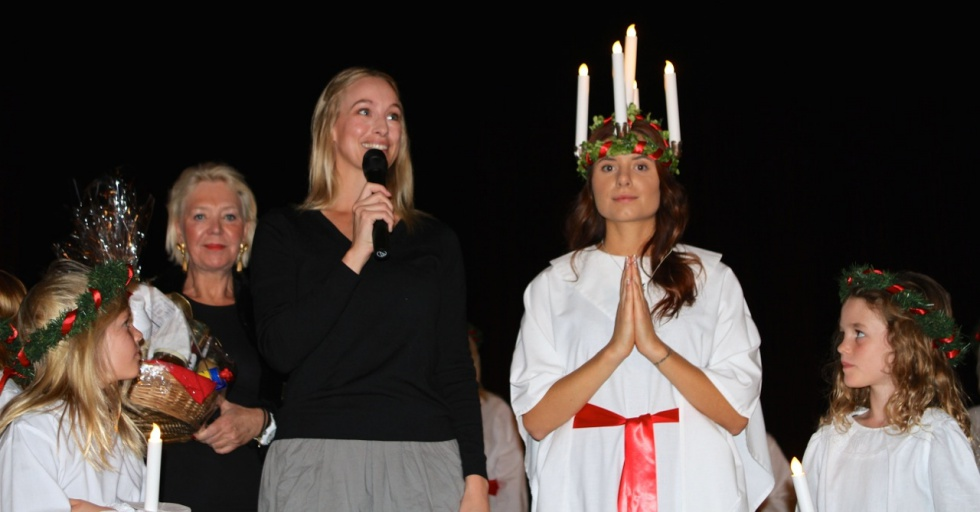 Holding my speach after crowning the Lucia of 2014.