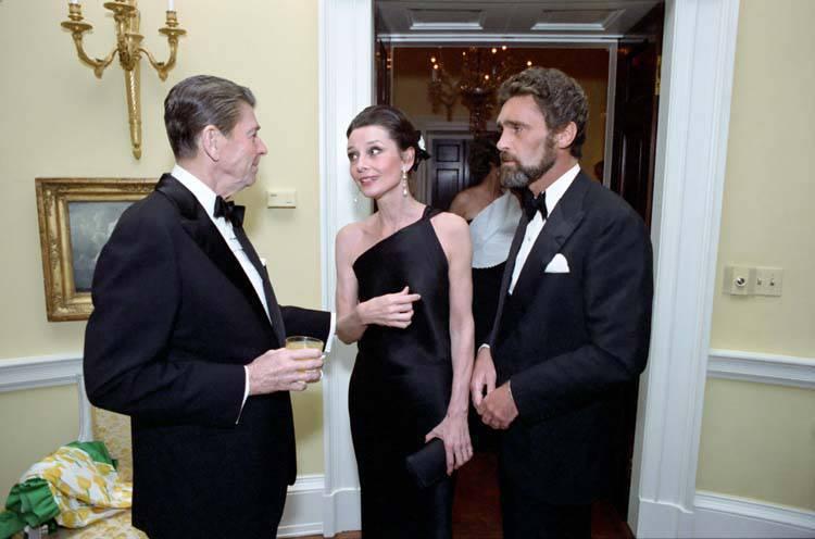 Audrey_Hepburn_and_Ronald_Reagan blogozine