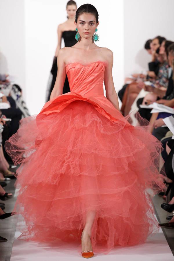 Oscar-de-la-Renta-Spring-Summer-2014-Peach-Gown