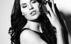 Artisten Sophie J har släppt singeln Breakout