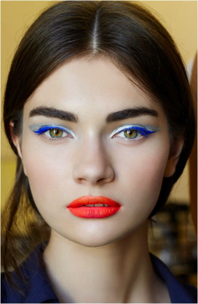 klarblå eyeliner