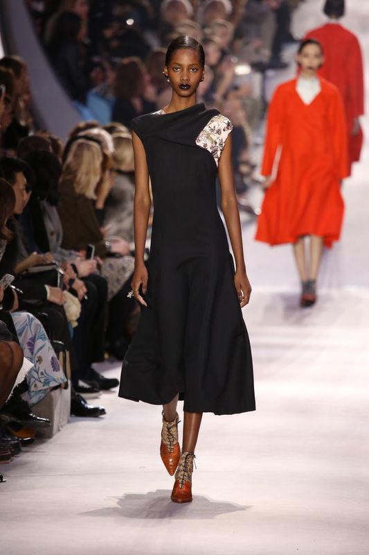 """Défilé de mode """"Christian Dior"""" prêt-à porter automne-hiver 2016/2017 à Paris le 4 mars 2016. """"Christian Dior"""" fashion show ready to wear Automn Winter 2016/2017 in Paris. On March 4 2016."""