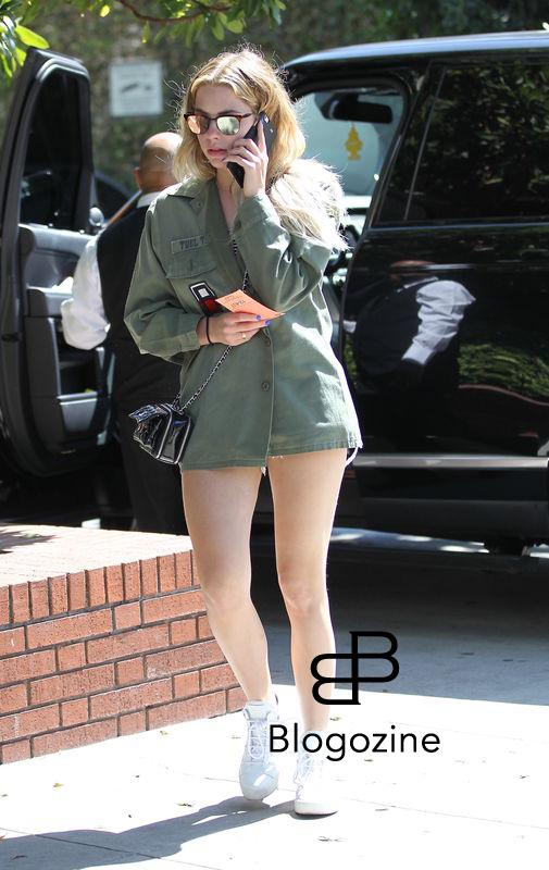 149565, Ashley Benson goes out for lunch in Beverly Hills. Los Angeles, California - Thursday March 17, 2016. Photograph: BLW, © PacificCoastNews. Los Angeles Office: +1 310.822.0419 sales@pacificcoastnews.com FEE MUST BE AGREED PRIOR TO USAGE