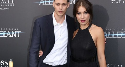 "Bill Skarsgard et guest - Première du film ""Allegiant"" à New York le 14 mars 2016. New York premiere of 'Allegiant' at the AMC Lincoln Square Theater on March 14, 2016 in New York City."