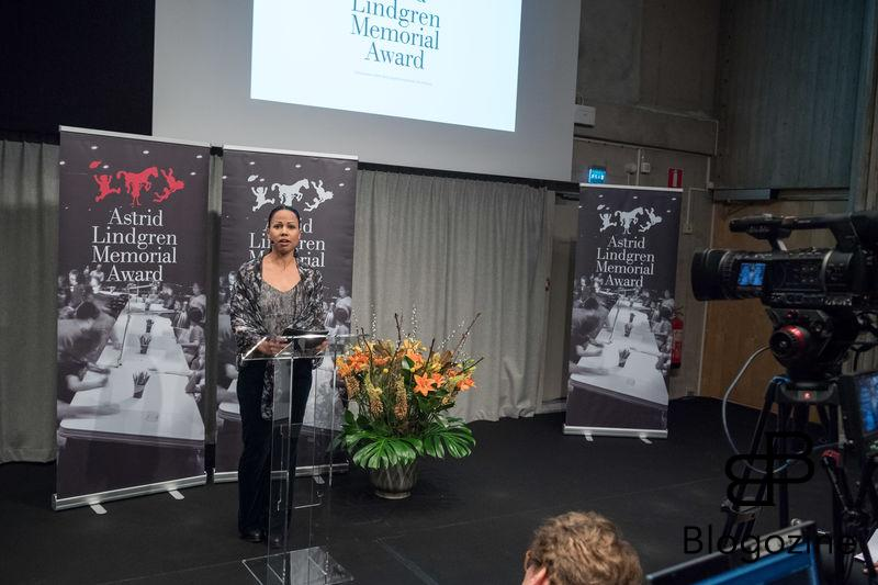 XX. In today was the ALMA Award Astrid Lindgren Memorial Award presented at the Royal Library in Stockholm. This year's prize winner, 2016, was the American author Meg Rosoff, 59th - She never leaves the reader indifferent, says the jury. The prize money is five million Swedish crowns and is the world's largest international children's and young adult literature. Arts Council Chairman Ulrika Stuart Hamilton, Culture and Democracy Minister Alice Bah Kuhnke began the announcement of this year's recipient of the Astrid Lindgren Memorial Award. Kungliga biblioteket, Stockholm, 2016-04-05 (c) Pelle T Nilsson/Stella Pictures