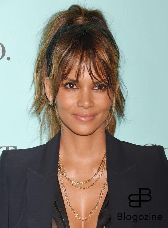 158275, Actress Halle Berry arrives at the Tiffany And Co. Celebrates Unveiling Of Renovated Beverly Hills Store at Tiffany & Co. Beverly Hills, California - Thursday October 13, 2016. © Joe Sutter, PacificCoastNews. Los Angeles Office (PCN): +1 310.822.0419 UK Office (Photoshot): +44 (0) 20 7421 6000 sales@pacificcoastnews.com FEE MUST BE AGREED PRIOR TO USAGE