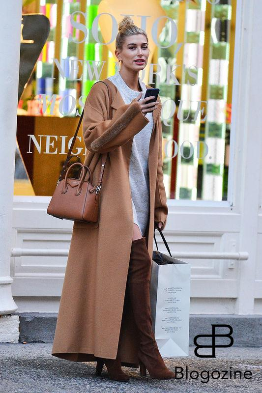 "52212747 Model Hailey Baldwin enjoys some solo shopping in New York City, New York on October 24, 2016. Hailey recently opened up about her parents' 26-year marriage saying, ""I believe in love. I see it in my parents, who are still together...I don't really plan on sticking in this industry for year upon year upon year. I want to, like, have family and settle down and live a normal life."" FameFlynet, Inc - Beverly Hills, CA, USA - +1 (310) 505-9876"