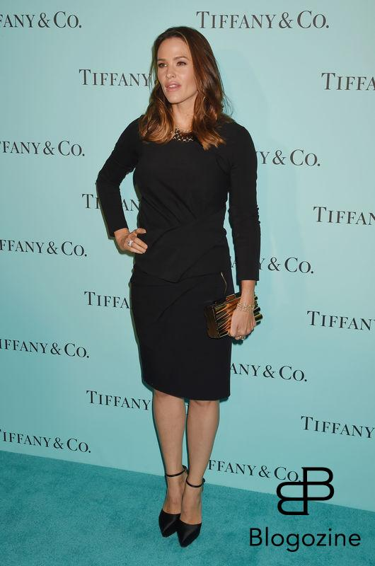 158275, Actress Jennifer Garner arrives at the Tiffany And Co. Celebrates Unveiling Of Renovated Beverly Hills Store at Tiffany & Co. Beverly Hills, California - Thursday October 13, 2016. © Joe Sutter, PacificCoastNews. Los Angeles Office (PCN): +1 310.822.0419 UK Office (Photoshot): +44 (0) 20 7421 6000 sales@pacificcoastnews.com FEE MUST BE AGREED PRIOR TO USAGE