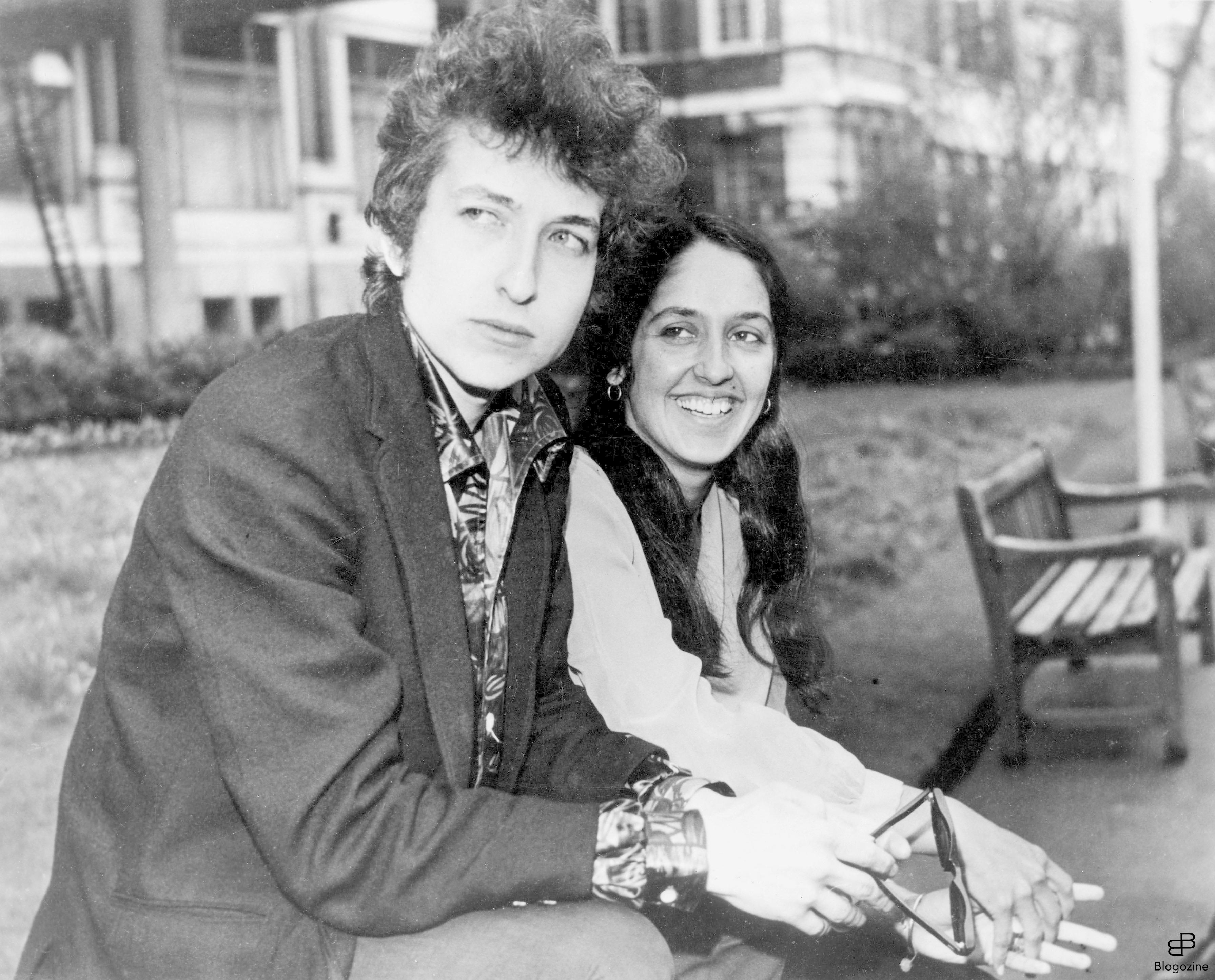 290801 27th April 1965: American folk singers, Bob Dylan and Joan Baez at the Savoy in London. Bob is on tour in the UK. Photo: Uppa.co.uk Code: 4034/095082_4265 COPYRIGHT STELLA PICTURES