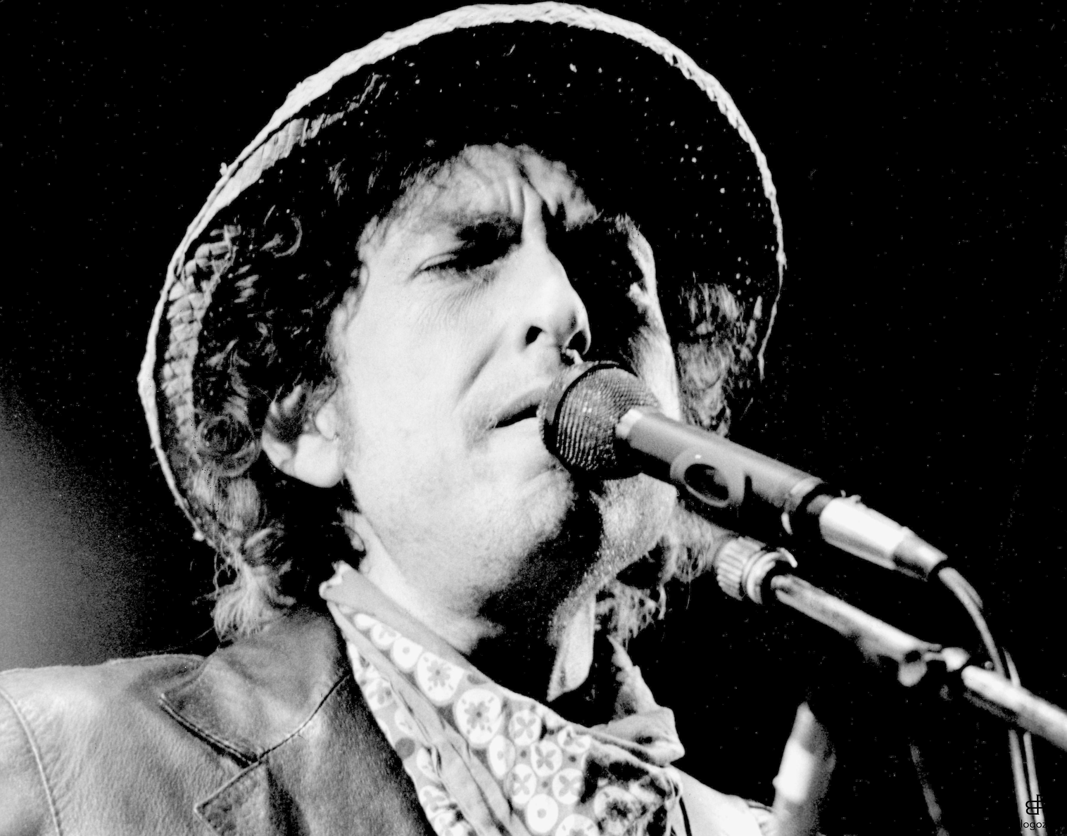 291342 1980s photo of American folk singer, Bob Dylan, born Albert Zimmermann on May 24th 1941 in Minnesota, USA. Photo: Uppa.co.uk Code: 4034/B196_095082 COPYRIGHT STELLA PICTURES
