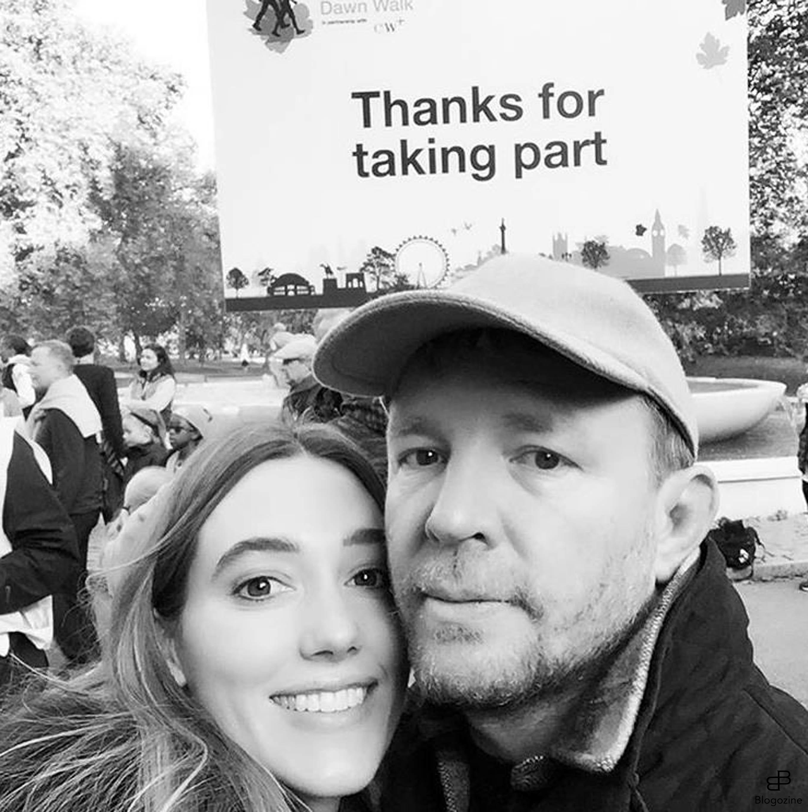 6334021 10-10-2016 Celebrity Selfies Pictured: Jacqui and Guy Ritchie PLANET PHOTOS www.planetphotos.co.uk info@planetphotos.co.uk +44 (0)20 8883 1438 DISTR. STELLA PICTURES