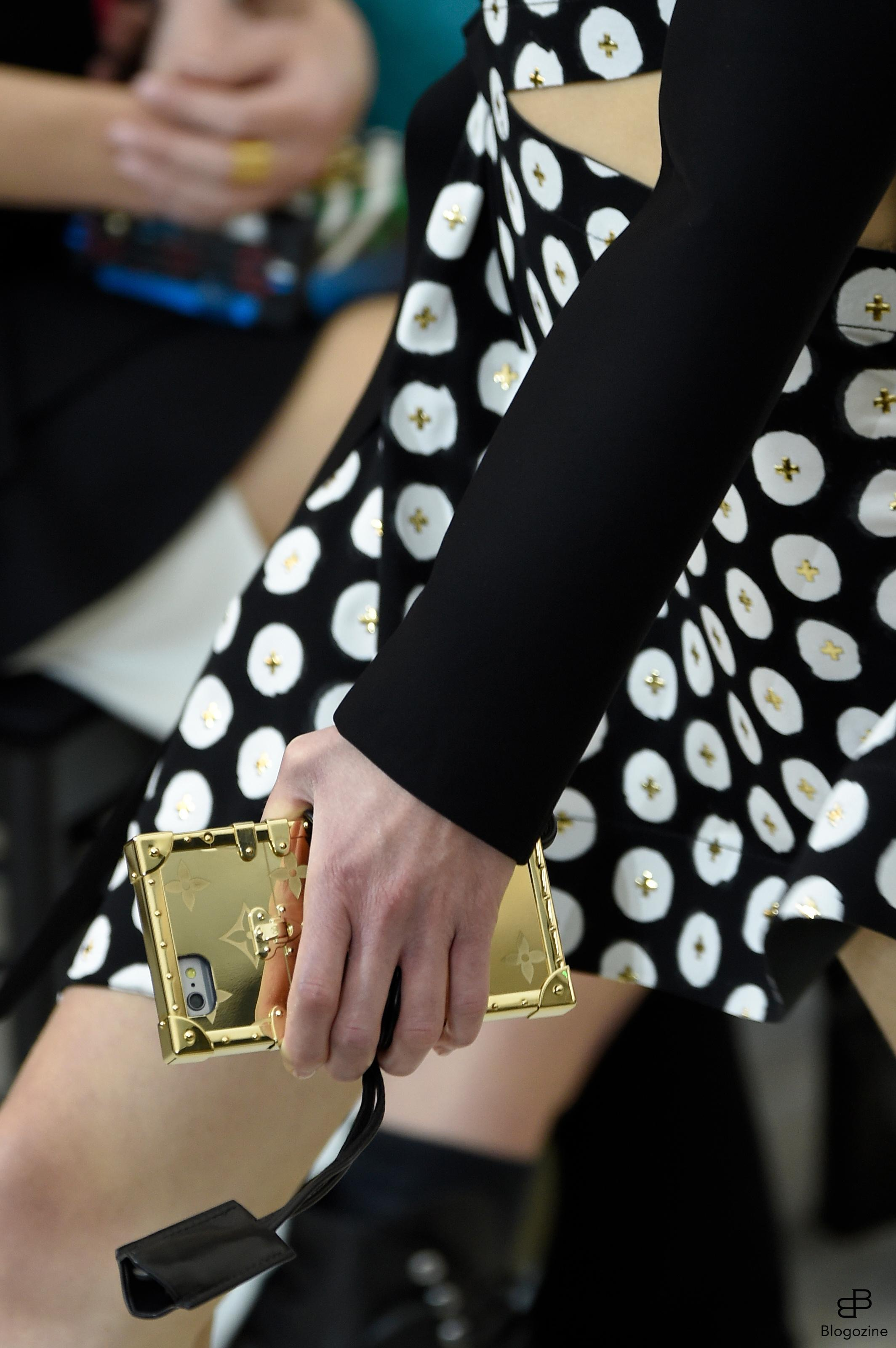 6301382 Details bags and shoes during the Louis Vuitton runway show as a part of Paris Fashion Week Ready to Wear Spring/Summer 2017 on October 4th , 2016 in Paris, France. Photo by Alain Gil Gonzalez/ABACAPRESS.COM COPYRIGHT STELLA PICTURES