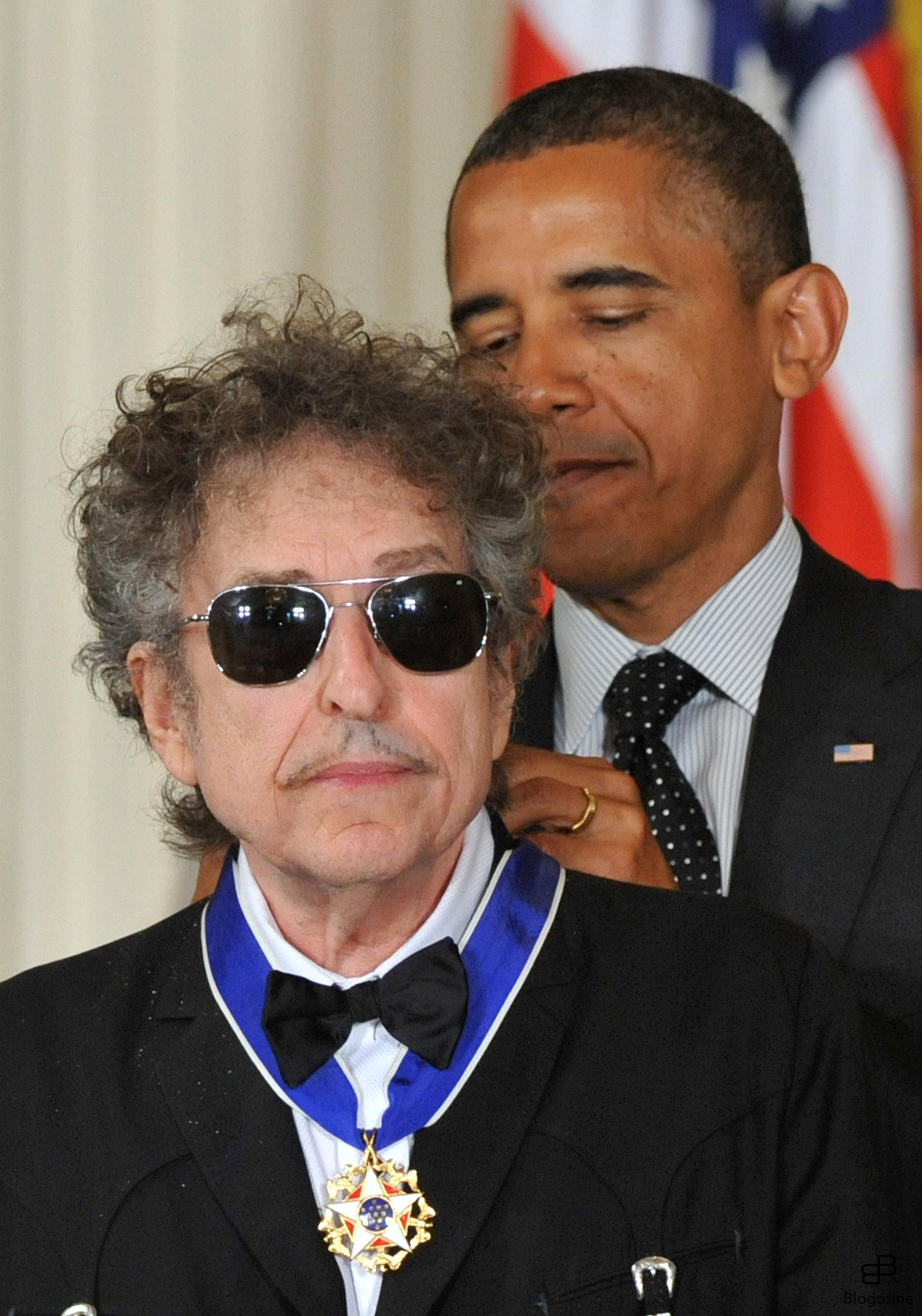 1568523 President Barack Obama awards the the Presidential Medal of Freedom to singer/songwriter Bob Dylan during a ceremony in the East Room at the White House in Washington on May 29, 2012. The Medal of Freedom is our Nation?s highest civilian honor, presented to individuals who have made especially meritorious contributions to the security or national interests of the United States, to world peace, or to cultural or other significant public or private endeavors. UPI/Kevin Dietsch Photo: KEIVN DIETSCH/UPI Code: 4056/WAP20120529304 COPYRIGHT STELLA PICTURES Photo: KEIVN DIETSCH/UPI Code: 4056/WAP20120529304 COPYRIGHT STELLA PICTURES