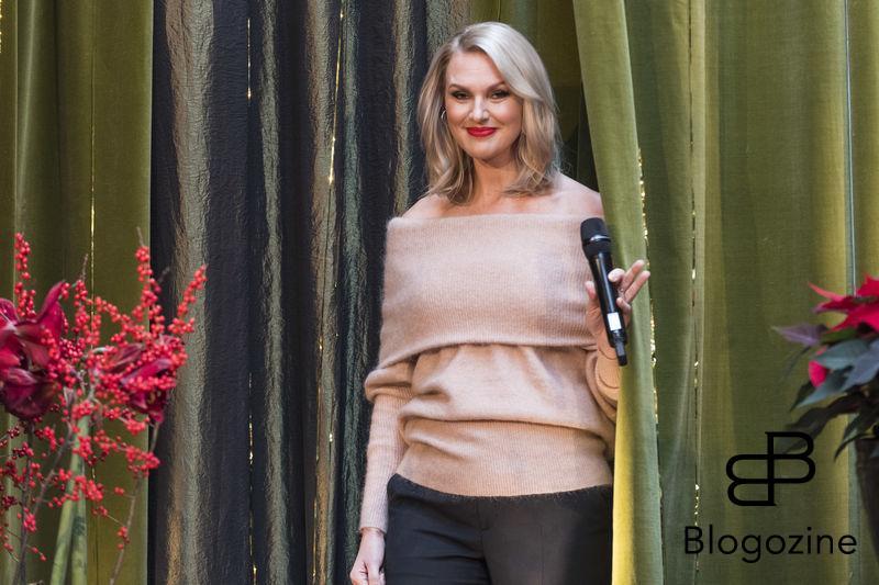 Sanna Nielsen blev årets julvärd Idag presenterades vem som tänder stearinljuset innan Kalle Anka på julafton och blev årets julvärd i SVT. Detta gjordes i SVT:s lokaler på Gärdet. Bilder från pressträffen. TV_huset, Stockholm, Sweden 2016-11-08 (c) Pelle T Nilsson/Stella Pictures