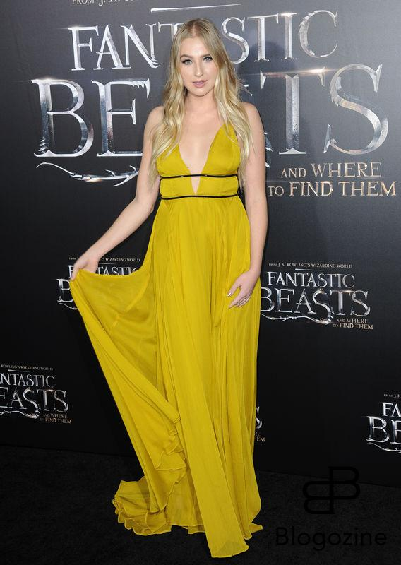 52228731 Celebrities attend the premiere of 'Fantastic Beasts' at The Chinese Theater in Hollywood, California on November 10, 2016. FameFlynet, Inc - Beverly Hills, CA, USA - +1 (310) 505-9876 RESTRICTIONS APPLY: NO FRANCE