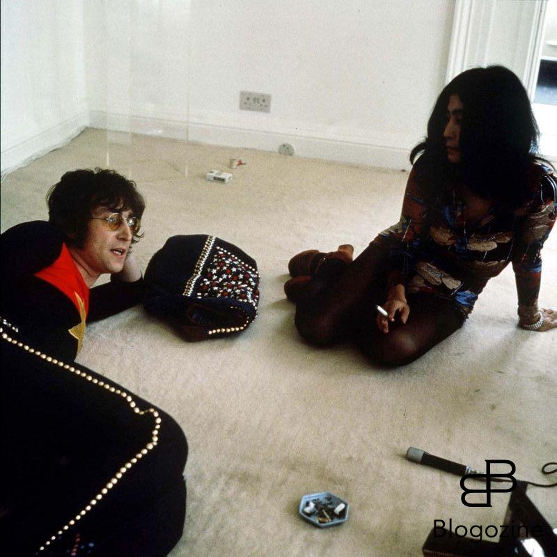 Renta/Photoshot LTD. JOHN LENNON AND YOKO ONO PHOTOGRAPHER: MICHAEL PUTLAND THE WHITE ROOM 1971 9th November 1966 - John Lennon and Yoko Ono meet for the first time at her exhibition at the Indica Gallery in London. Lennon remembered the date of their meeting as the 9th but many Beatles historians contend that it actually happened on the 7th, the day before the exhibition opened.