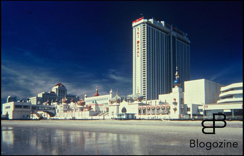 ARCHIVES - HOTEL ET CASINO TAJ MAHAL BATIT PAR LA SOCIETE DE DONALD TRUMP A ATLANTIC CITY