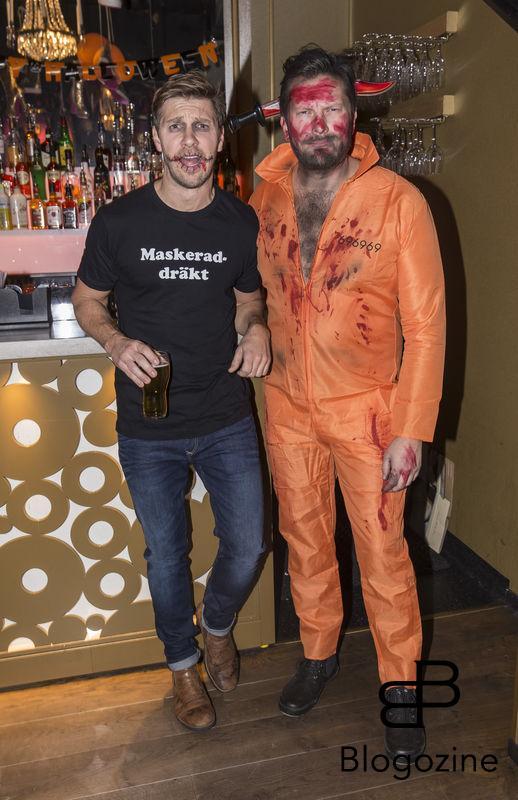 2016-11-02 Halloweenfest på Golden Hits. På Bilden: Linus Wahlgren och Johan Petre COPYRIGHT STELLA PICTURES