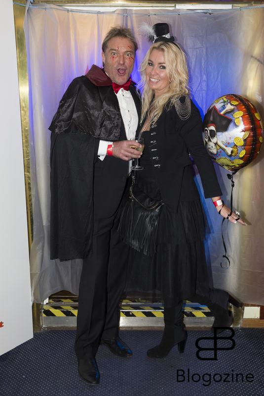 2016-11-04 Halloweenfest. Inbjudan Johan Carlen. På Bilden: Anders Frisk och Erica Frisk COPYRIGHT STELLA PICTURES