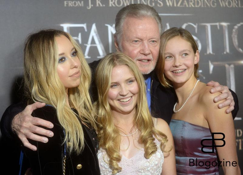 Jon Voight and family attending the Fantastic Beasts And Where To Find Them world premiere at Alice Tully Hall, Lincoln Center in New York City, NY, USA, on November 10, 2016. Photo by Dennis Van Tine/ABACAPRESS.COM